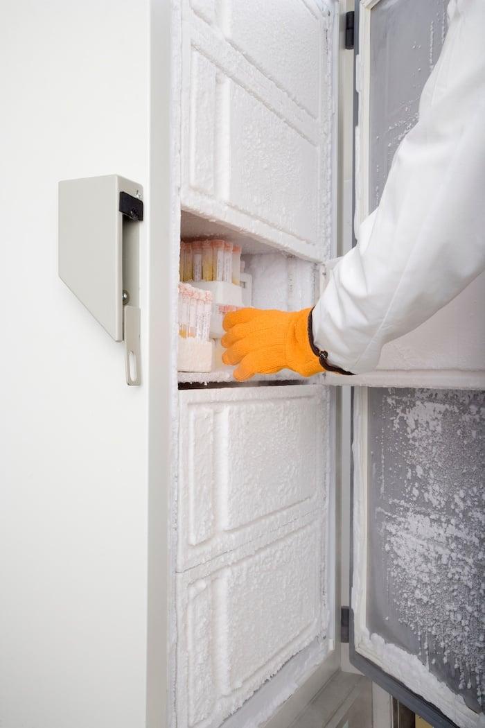 Freezer_with_Orange_Glove.jpg